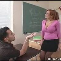 Училка Sienna West вместе со студентами устроили групповой секс 377